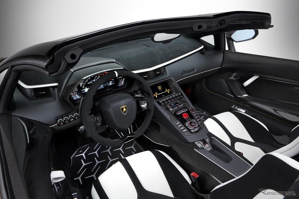 ランボルギーニ・アヴェンタドール SVJ ロードスター