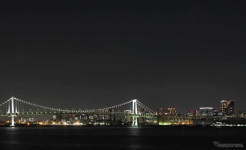 夜の東京はこんな美しい景色にも出会える