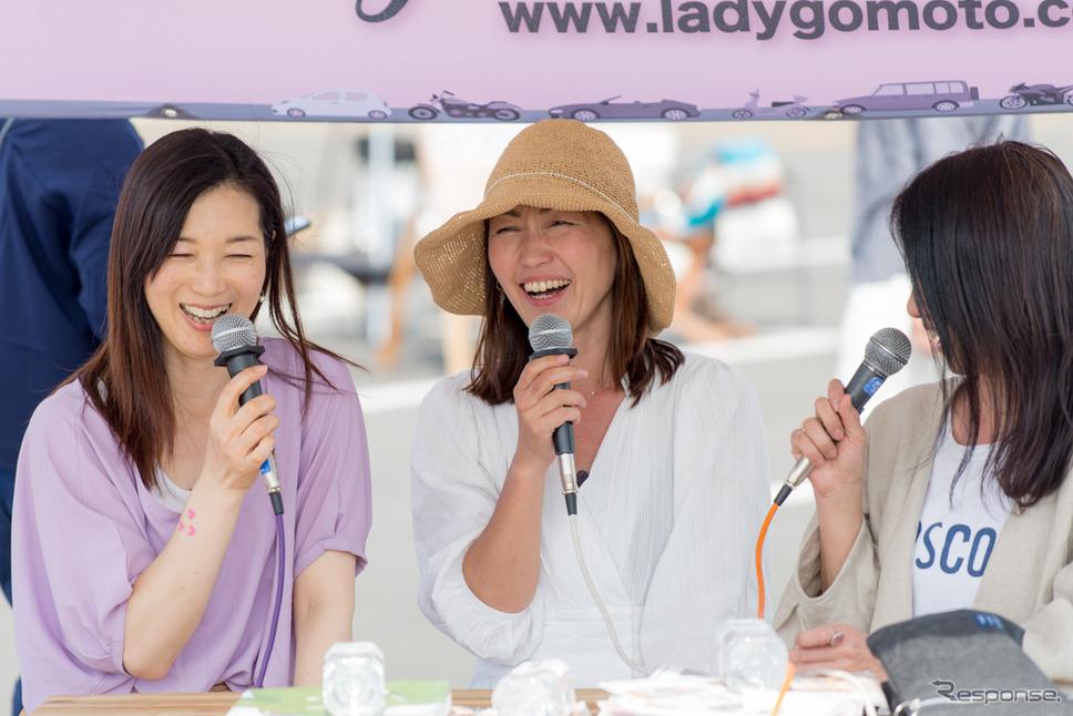 左からまるも亜希子さん、松崎祐子さん、鈴木珠美さん(筑波サーキット・カーフェスティバル2019)
