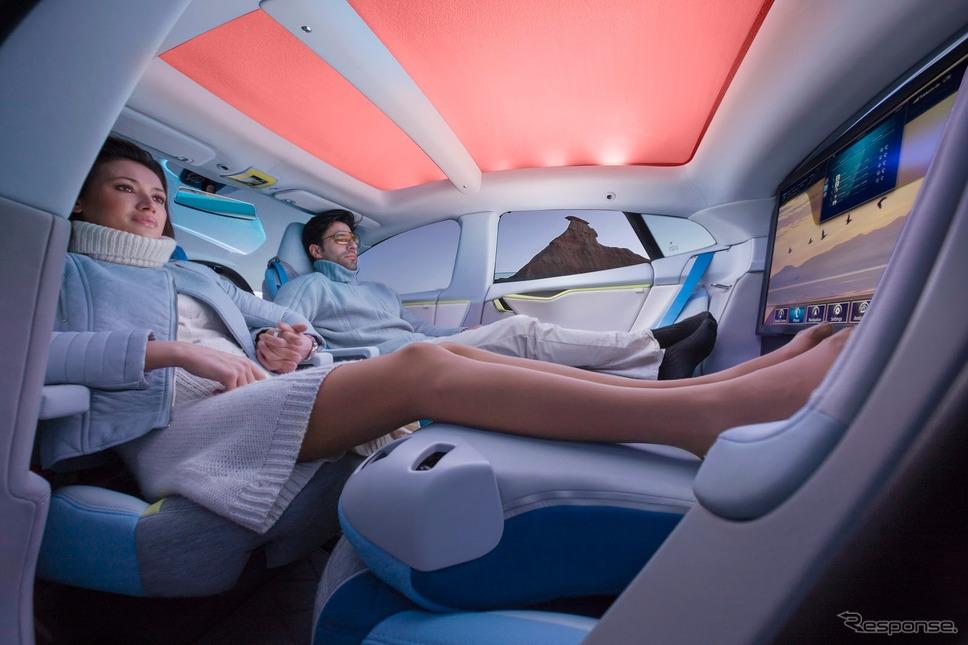 リンスピードが提案する完全自動運転時代の車内での過ごし方(参考画像)