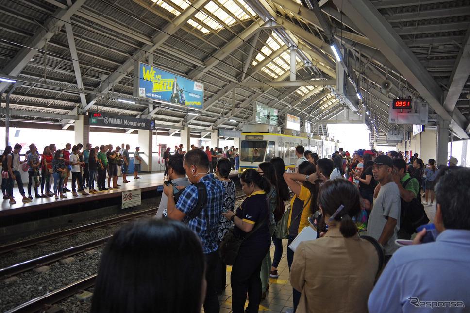 ヤマハモニュメント駅の乗降客は1日13万人と多い