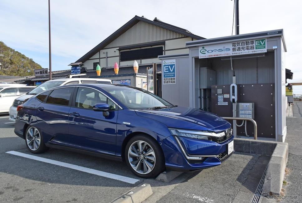 静岡最西部の道の駅「潮見坂」で普通充電。5時間10分で満充電となり、自動切断された。ちなみに4時間強で90%くらいになるので、そこでやめるのが効率的。普通充電の場合、課金されてもガソリンで走るより走行コストが安い。