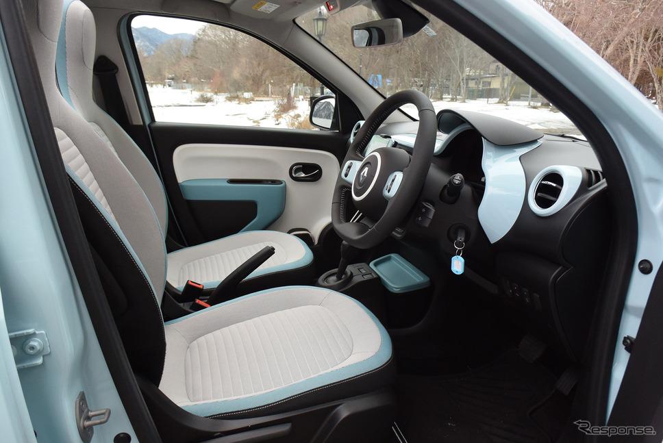 フロントシート。座面高と背もたれ角のみ調整可能という至ってシンプルな機能。