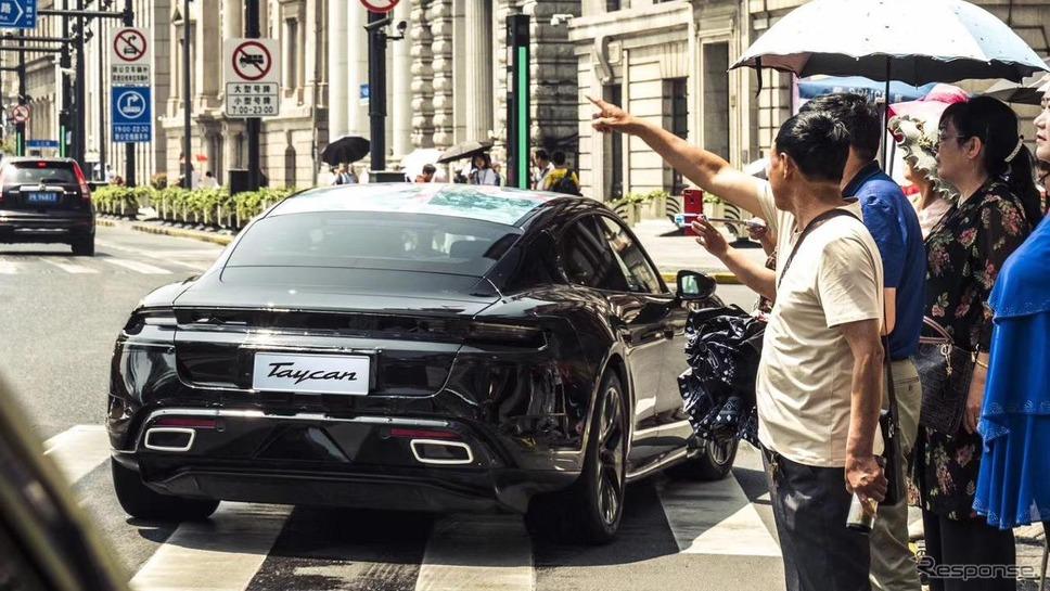ポルシェ・タイカンの最新プロトタイプ車