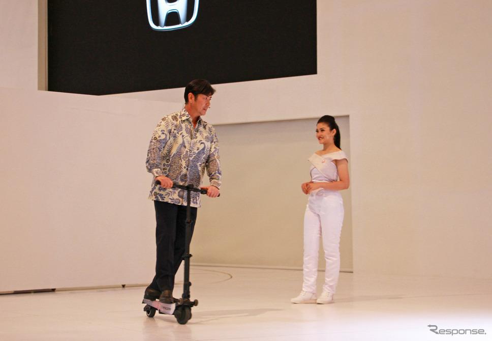 ホンダプロスペクトモーター(HPM)渡邊社長とTarascooterホンダアコード(インドネシア国際オートショー)