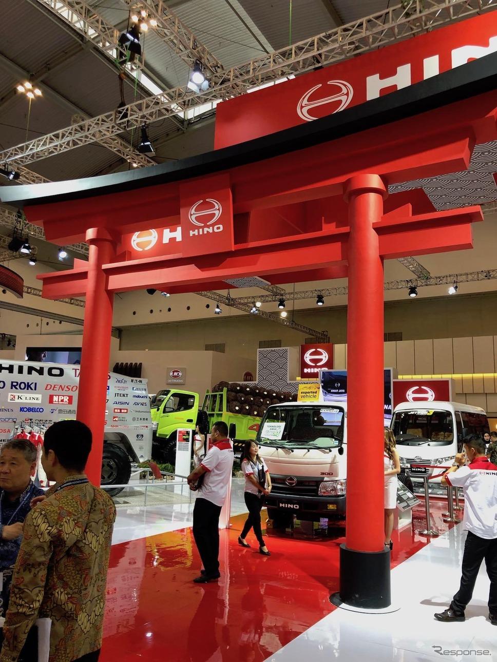 鳥居を構えた日野自動車(インドネシア国際オートショー2019)