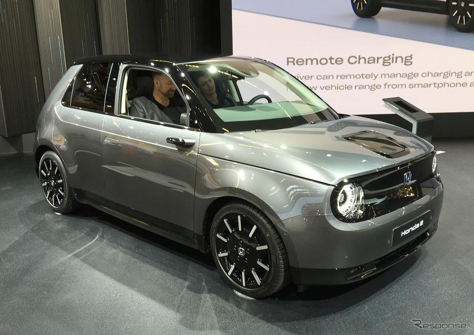 日本車メーカー唯一の出展となったホンダの「ホンダe」
