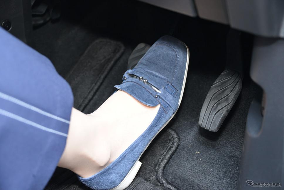 ハンドルに合わせてシート位置を合わせると、ペダルが踏みづらくなることも…