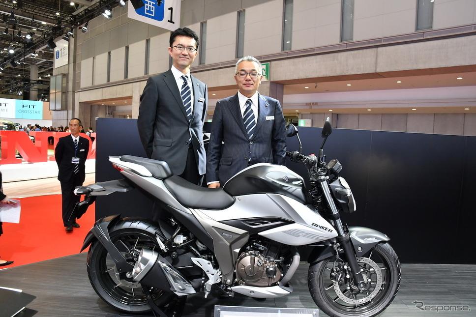 チーフエンジニアの野尻哲治氏(写真右)と、エンジン設計担当者の森 公二氏。