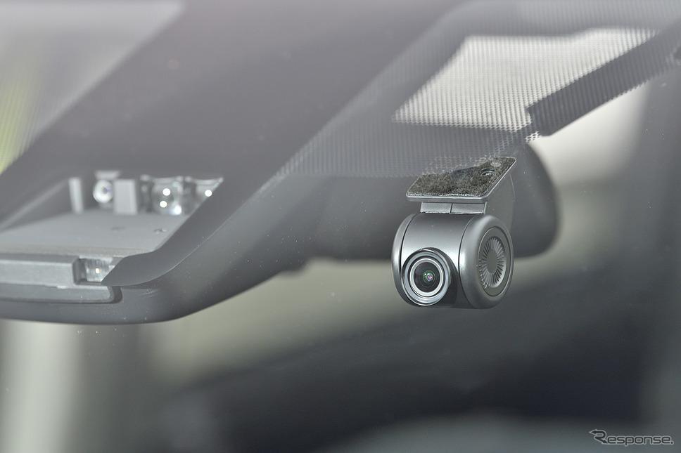 待望の連携ドライブレコーダーも合わせて発売。前方はだけではなく後方も設置することで昨今のあおり運転対策にも期待出来る
