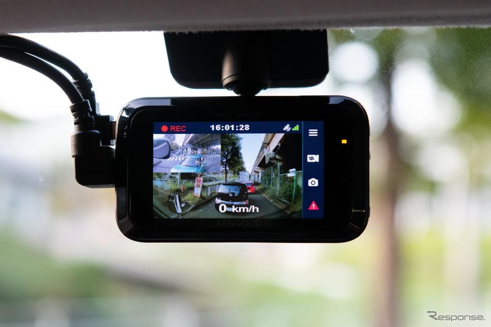付属のSDカードは32ギガに容量がアップされ、2カメラでも高品位な録画が長時間可能となる