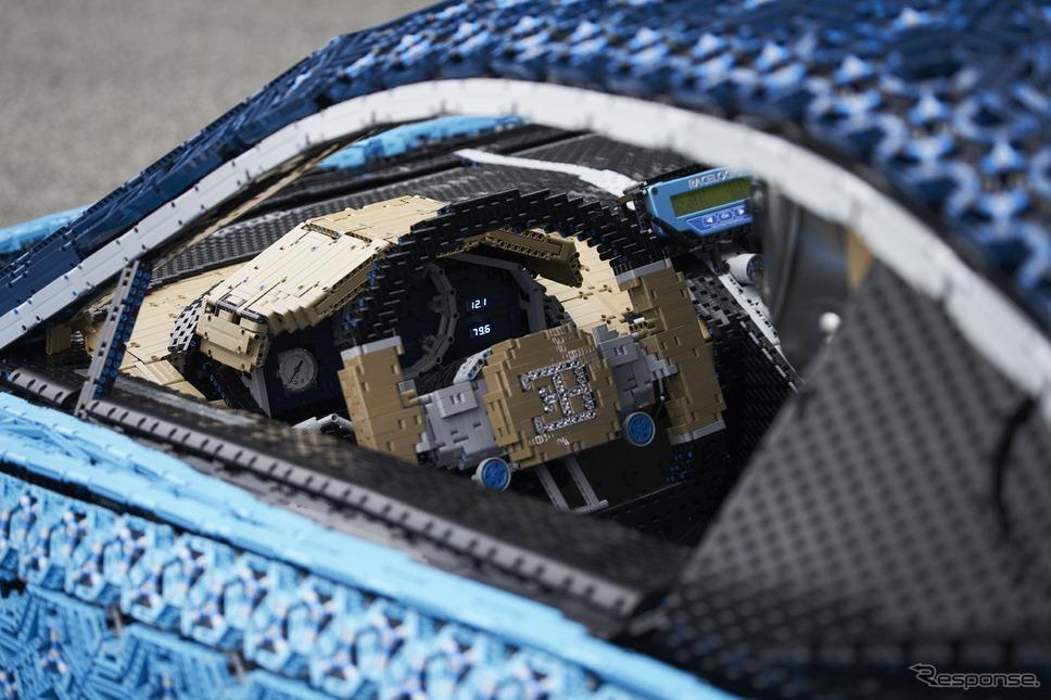レゴが製作したブガッティ・シロンの実物大EVモデル
