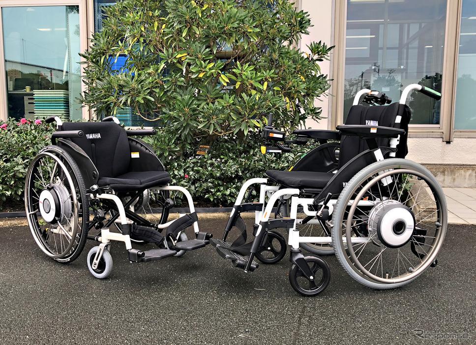 ヤマハの電動アシスト車いす「JWスウィング」(左)とフル電動タイプの「JWアクティブ PLUS+」