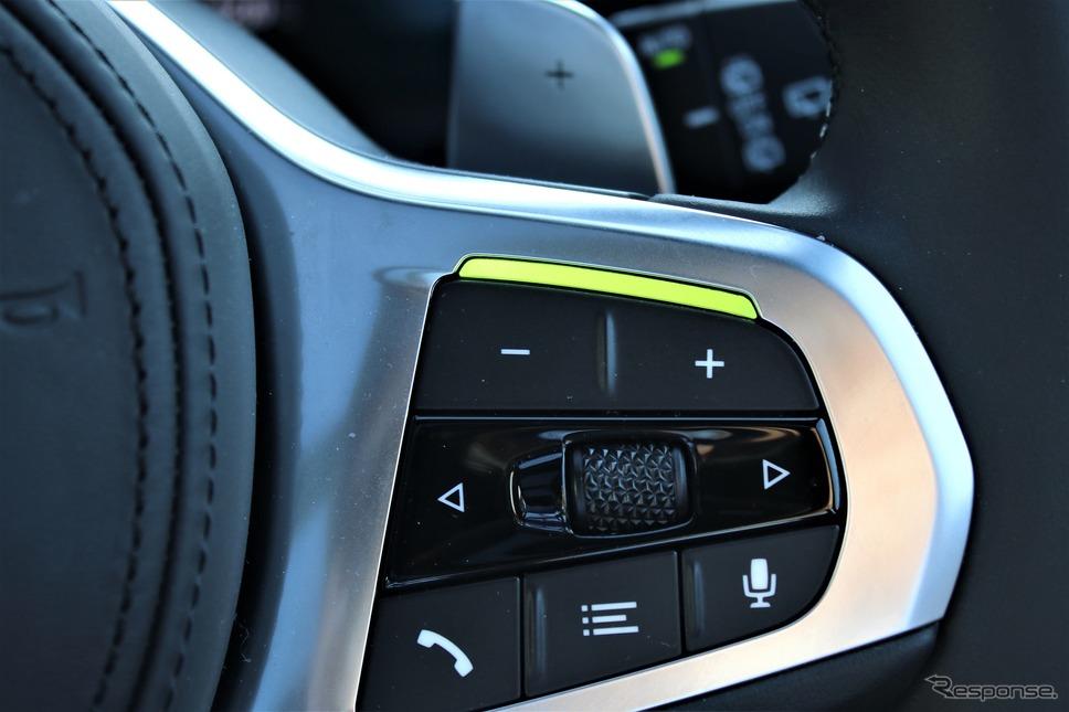 BMW 3シリーズ 新型の「高速道路渋滞時ハンズ・オフ機能付き渋滞支援システム」作動時に光るステアリング
