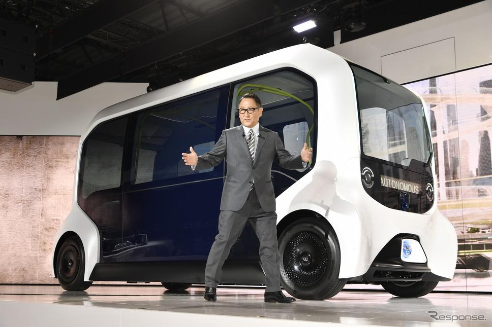 写真は東京モーターショー2019のトヨタ。乗用車を並べないブースを展開し話題となった