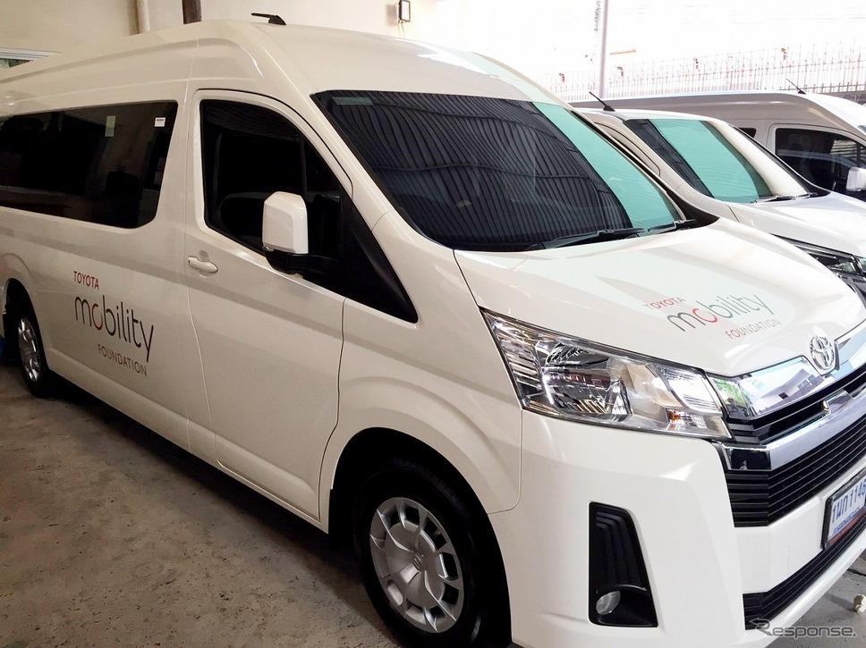 トヨタはタイでシャトルバスを10台用意。