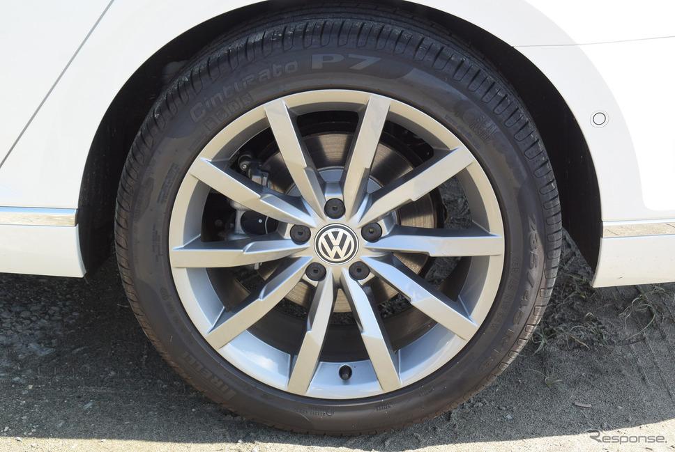 タイヤはピレリ P7。昔のP7とは異なり、エコパフォーマンスタイヤとなった。