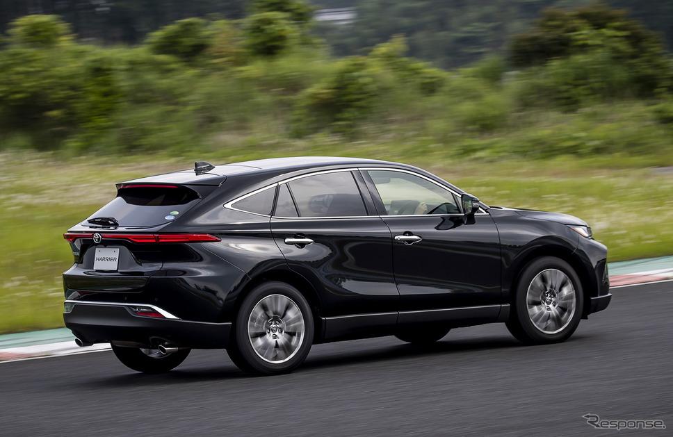 トヨタ ハリアー 新型。写真はガソリン車(プロトタイプ)