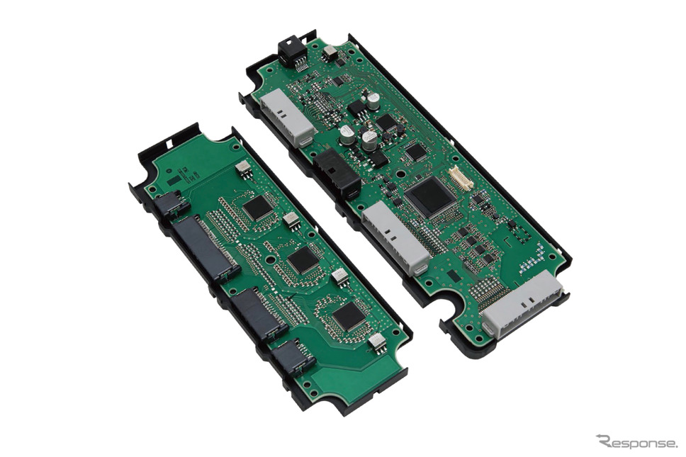セル数の多い電気自動車向けとなる、分散型のバッテリーマネジメントシステム。セル電圧センサー(左)、バッテリーマネジメントユニット(右)から構成される