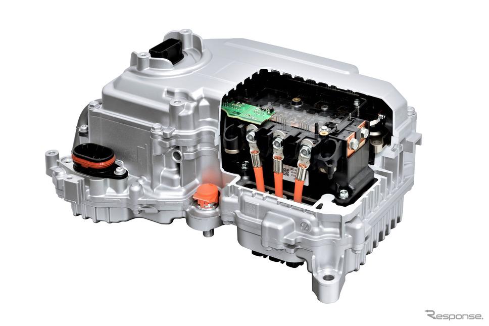 新型パワーコントロールユニットのカットモデル
