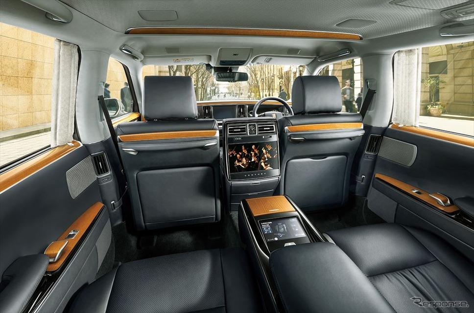 トヨタ センチュリーのリアシート。本革仕様「極美革」