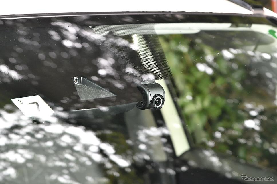カーナビゲーション連動のドライブレコーダーはハイビジョン対応。高精細な映像を記録できる