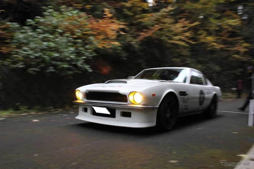 アルペン・クラシックカー・ラリー2012総合優勝のアストンマーチン・V8